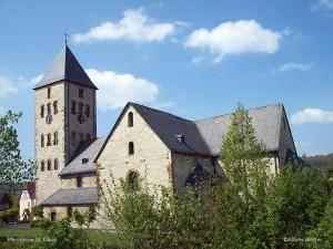 100_1604-Pfarrkirche sued